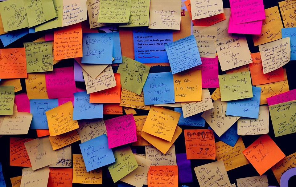 b8b7f8c459c222ac052cb9ea5c4dc08e post it notes 1284667 960 720